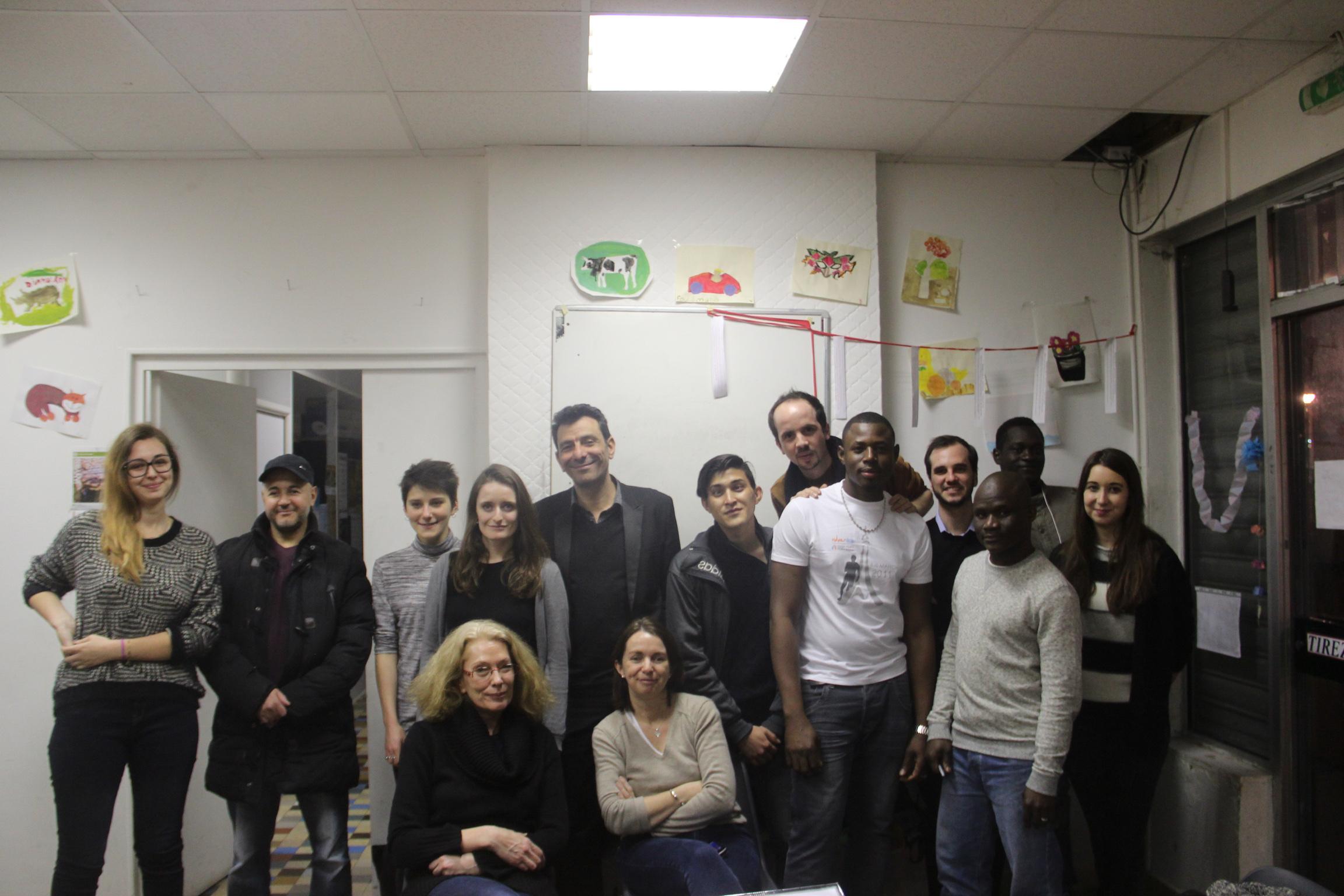 Photo de classe - Bénévoles et apprenants à l'espace souham - 2016.